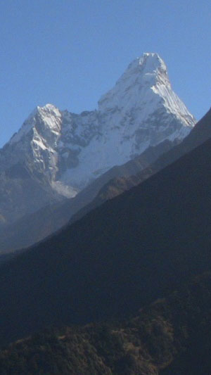 Ama Dablam in full view (Everest and Lhotse to the left)