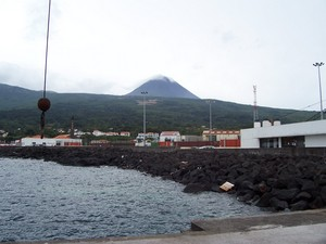 Docking at a harbour on Pico